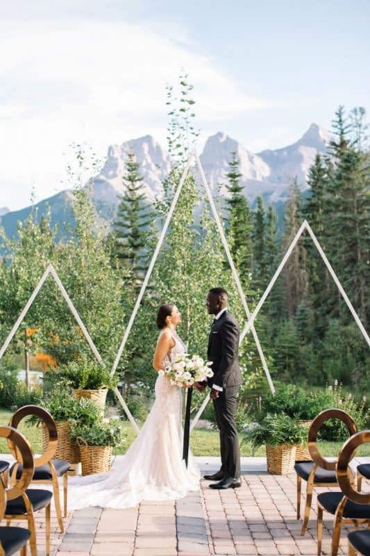 Canmore wedding The Malcolm luxury flowers Mountain Bride